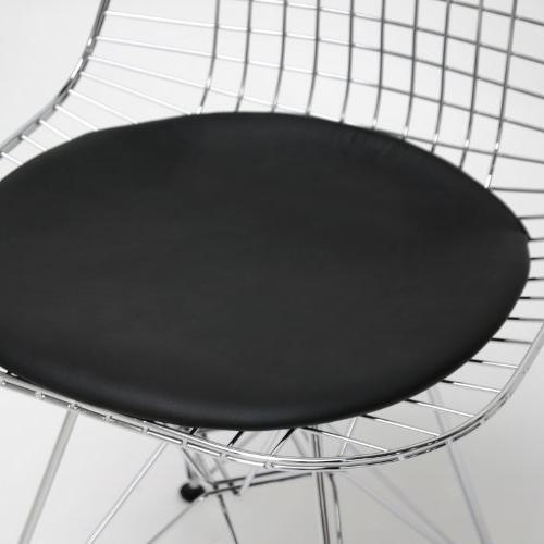 Avery Mid-century Modern Chair With Black Cushion Set Of 2